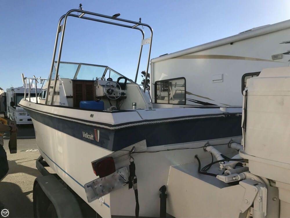 1986 Wellcraft boat for sale, model of the boat is Sportsman 230 & Image # 3 of 41