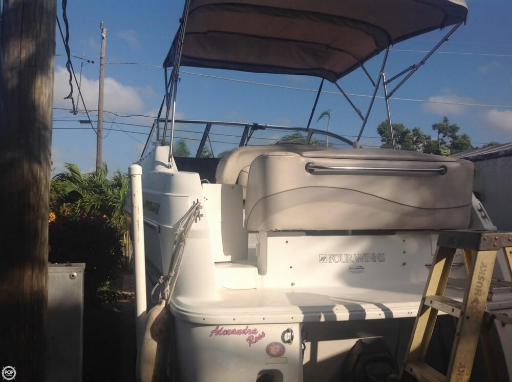 1999 Four Winns boat for sale, model of the boat is 238 Vista & Image # 5 of 40