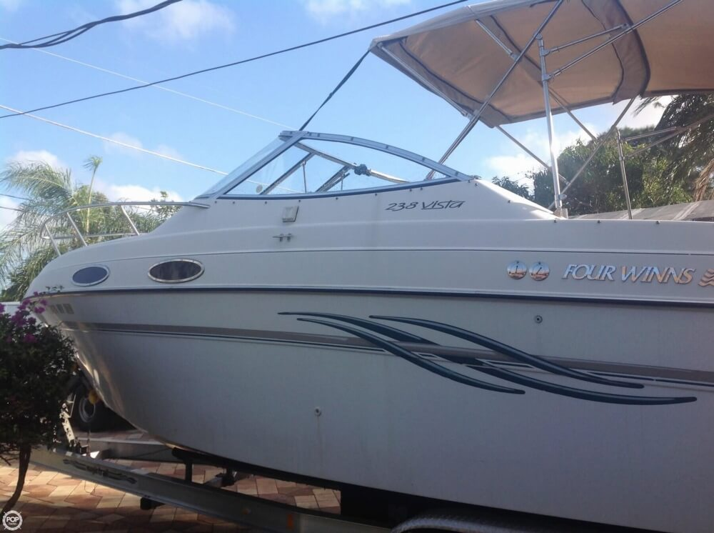 1999 Four Winns boat for sale, model of the boat is 238 Vista & Image # 2 of 40
