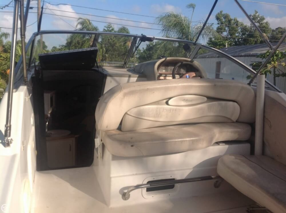 1999 Four Winns boat for sale, model of the boat is 238 Vista & Image # 23 of 40
