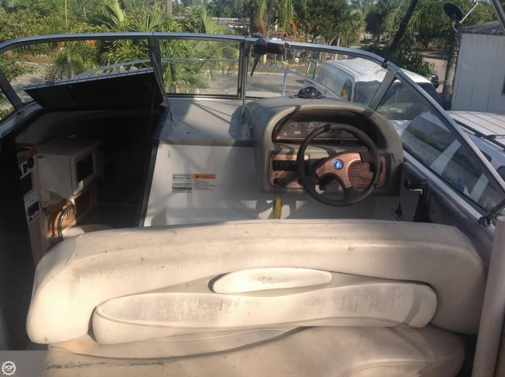 1999 Four Winns boat for sale, model of the boat is 238 Vista & Image # 25 of 40