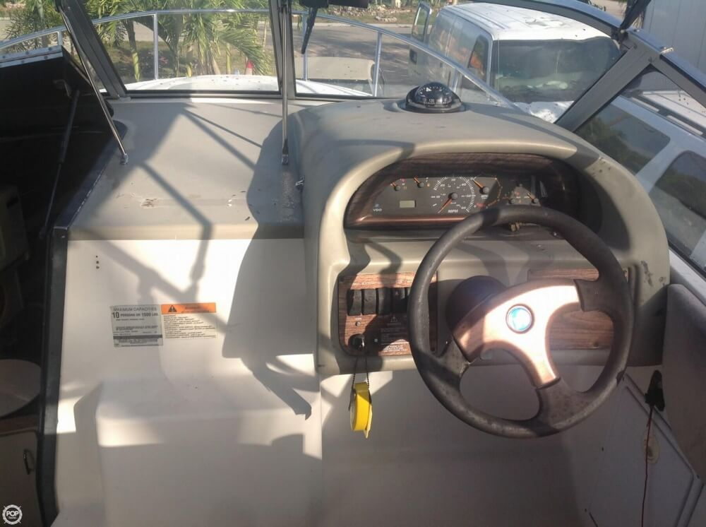 1999 Four Winns boat for sale, model of the boat is 238 Vista & Image # 7 of 40