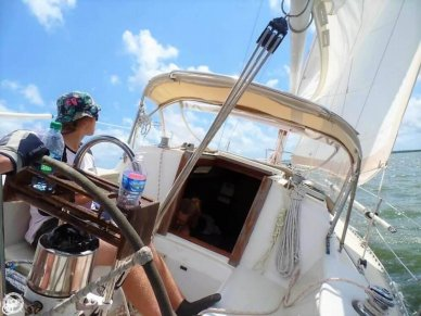 J Boats 28, 28', for sale - $14,900