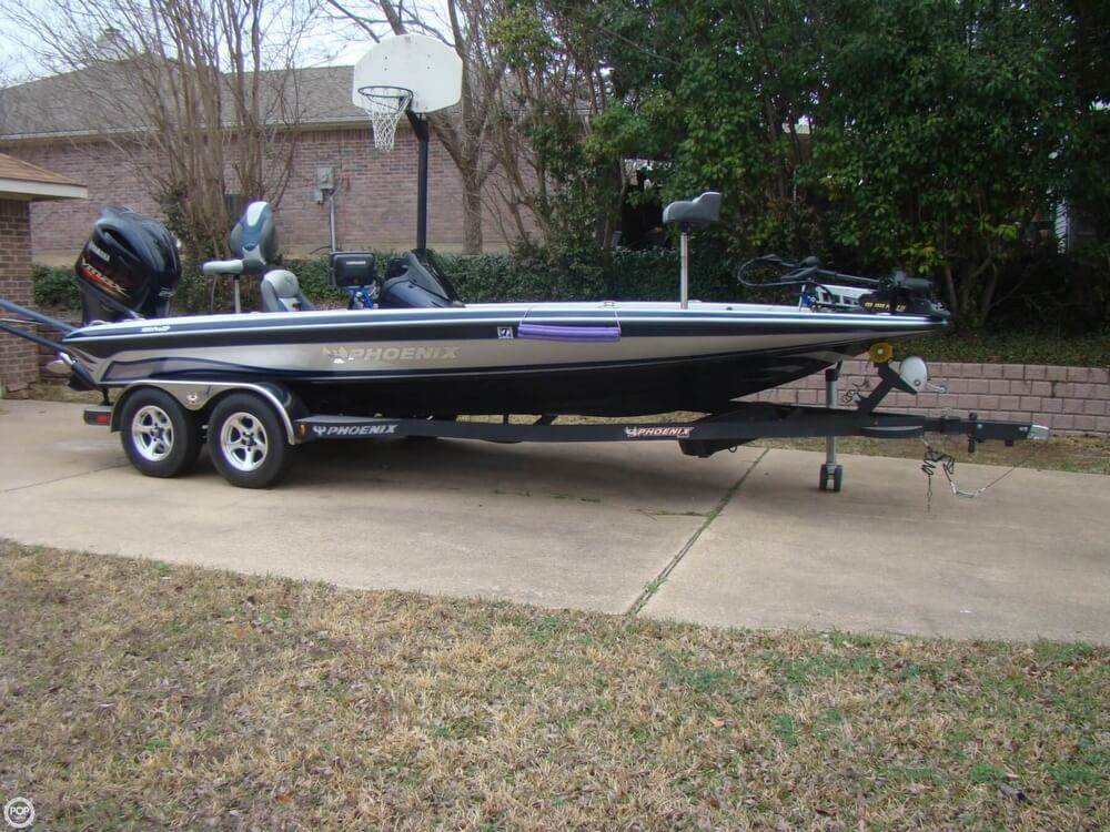 2015 Phoenix boat for sale, model of the boat is 920 ProXP & Image # 3 of 40