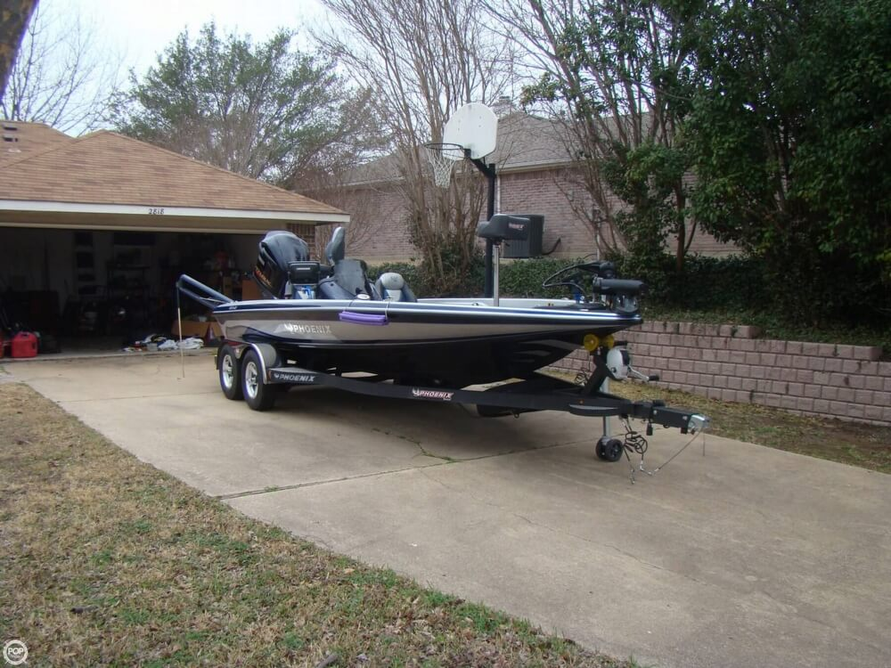 2015 Phoenix boat for sale, model of the boat is 920 ProXP & Image # 5 of 40