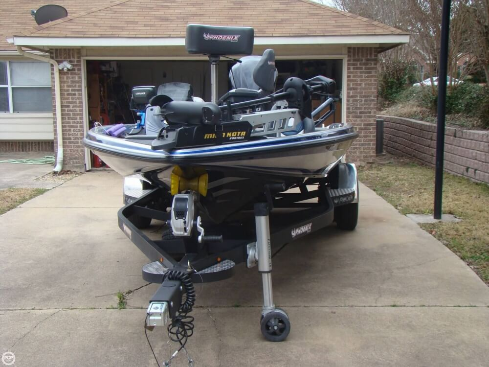 2015 Phoenix boat for sale, model of the boat is 920 ProXP & Image # 7 of 40