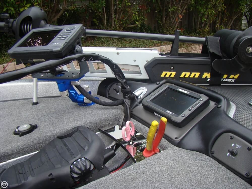 2015 Phoenix boat for sale, model of the boat is 920 ProXP & Image # 11 of 40