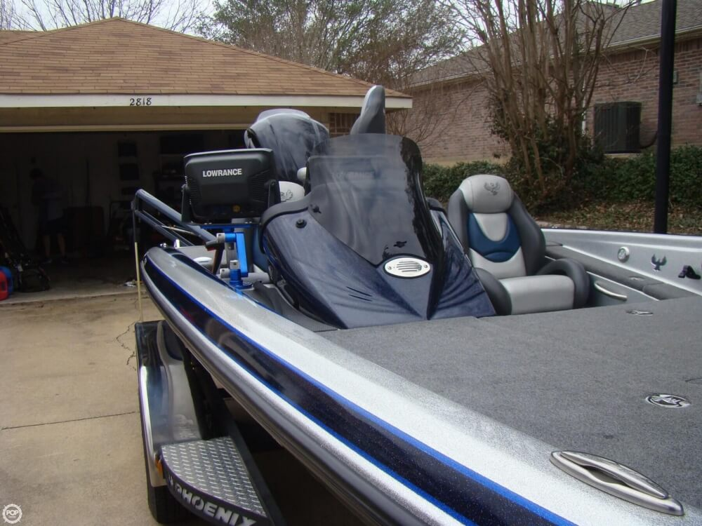 2015 Phoenix boat for sale, model of the boat is 920 ProXP & Image # 14 of 40