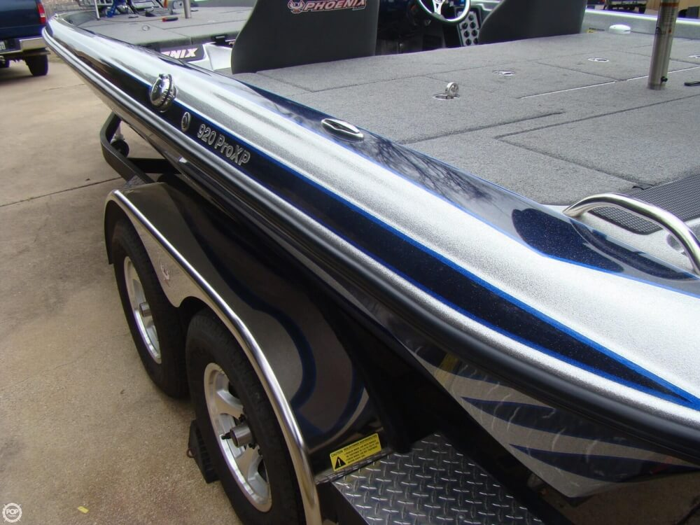2015 Phoenix boat for sale, model of the boat is 920 ProXP & Image # 35 of 40