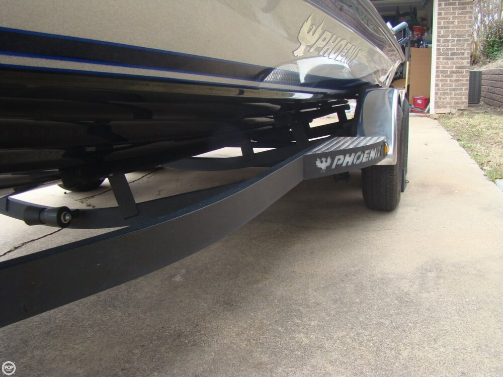 2015 Phoenix boat for sale, model of the boat is 920 ProXP & Image # 39 of 40