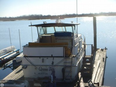 Bertram Salon Cruiser Double Cabin, 38', for sale - $38,900