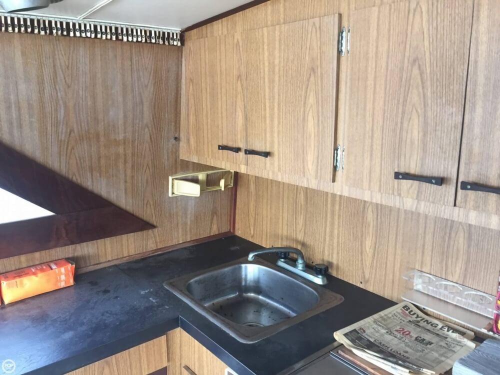 1972 Bertram boat for sale, model of the boat is Salon Cruiser Double Cabin & Image # 21 of 40
