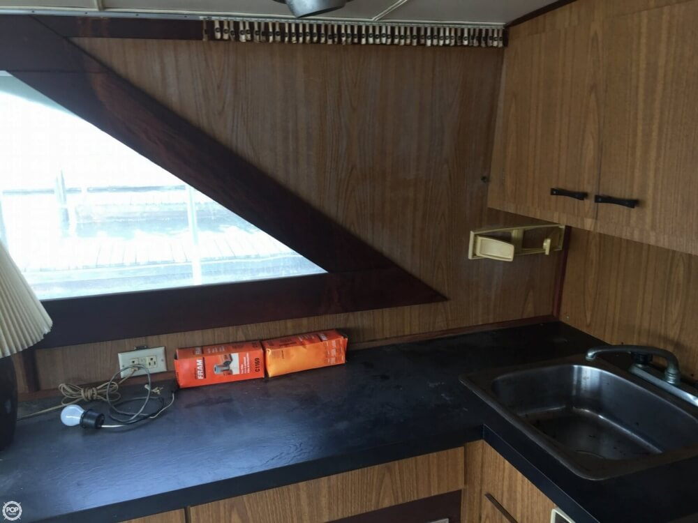 1972 Bertram boat for sale, model of the boat is Salon Cruiser Double Cabin & Image # 20 of 40