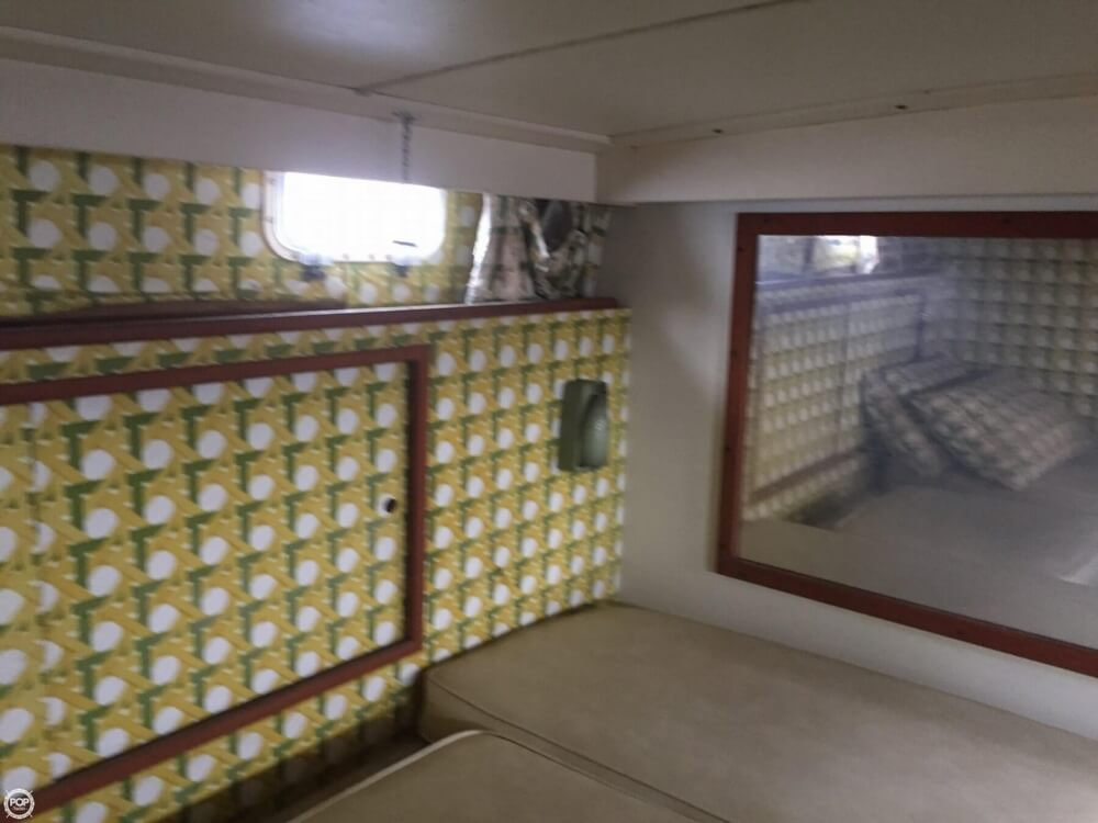 1972 Bertram boat for sale, model of the boat is Salon Cruiser Double Cabin & Image # 30 of 40