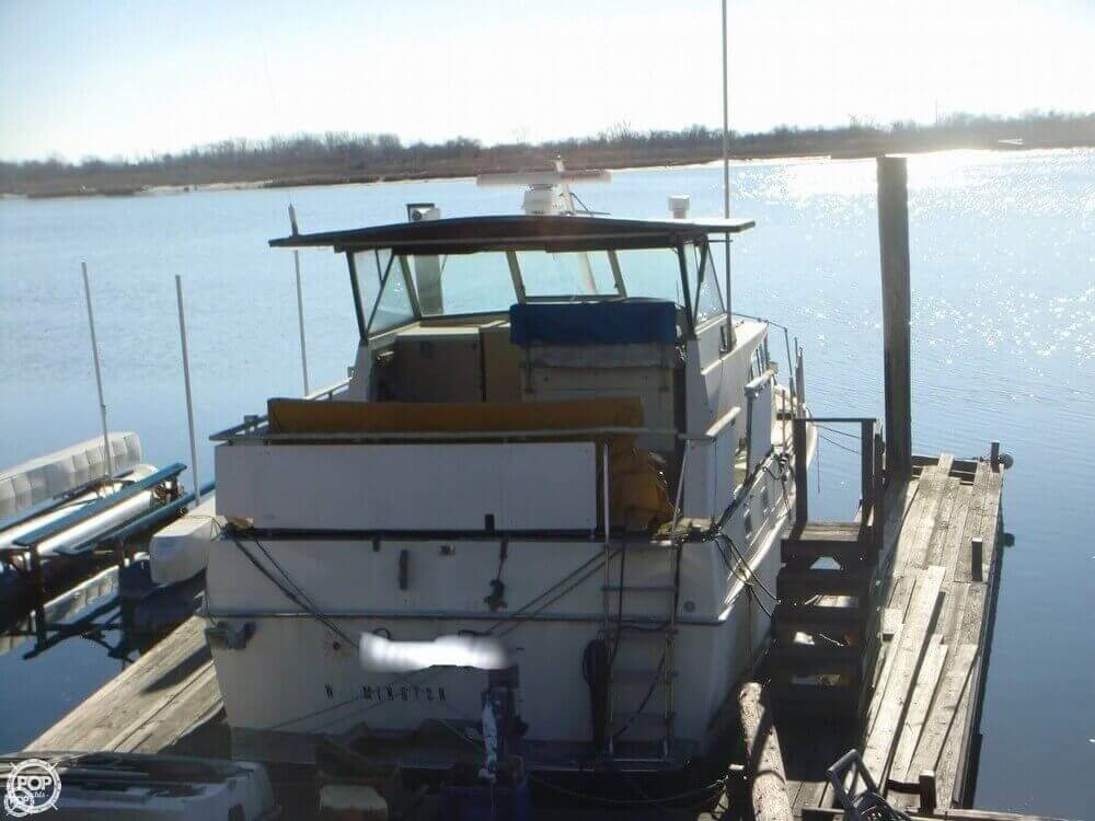 1972 Bertram boat for sale, model of the boat is Salon Cruiser Double Cabin & Image # 3 of 40