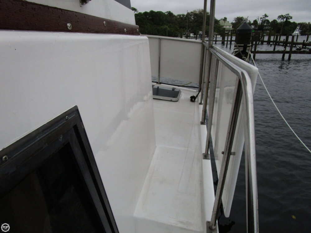 1987 Marine Trader boat for sale, model of the boat is 35 Sundeck Trawler & Image # 14 of 40