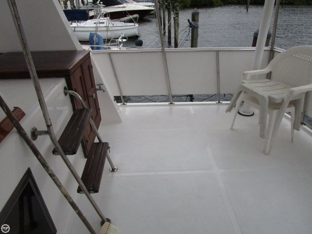1987 Marine Trader boat for sale, model of the boat is 35 Sundeck Trawler & Image # 16 of 40