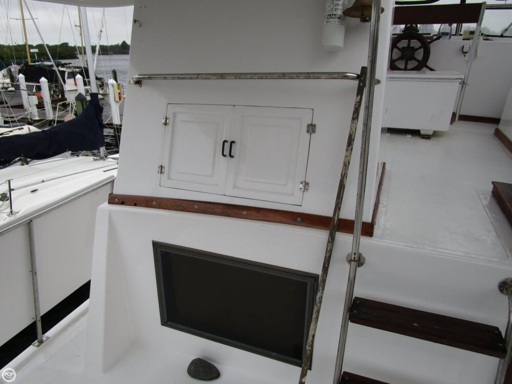 1987 Marine Trader boat for sale, model of the boat is 35 Sundeck Trawler & Image # 21 of 40