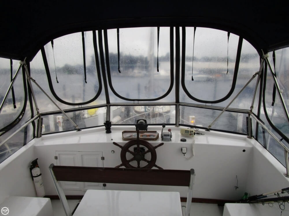 1987 Marine Trader boat for sale, model of the boat is 35 Sundeck Trawler & Image # 23 of 40