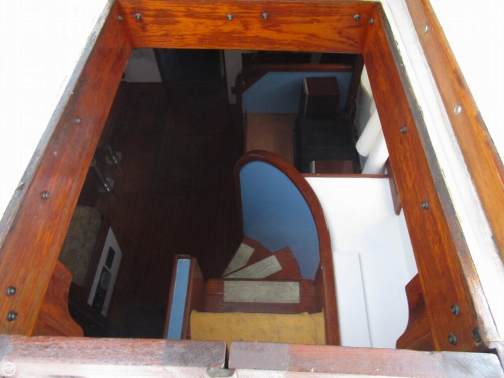 1987 Marine Trader boat for sale, model of the boat is 35 Sundeck Trawler & Image # 34 of 40