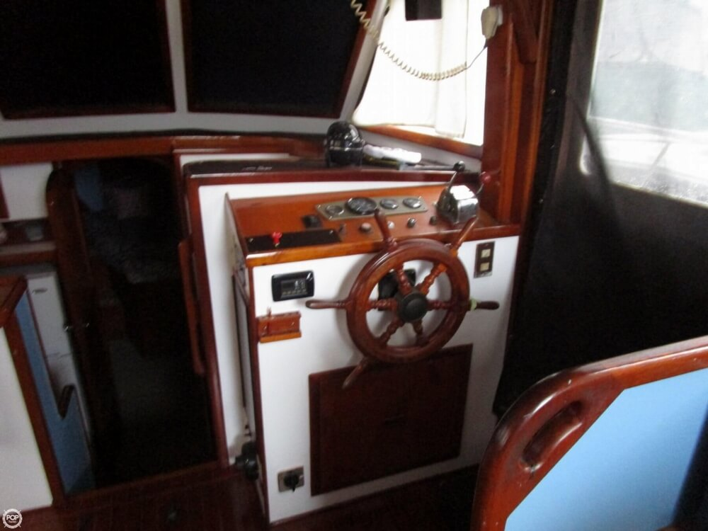 1987 Marine Trader boat for sale, model of the boat is 35 Sundeck Trawler & Image # 39 of 40