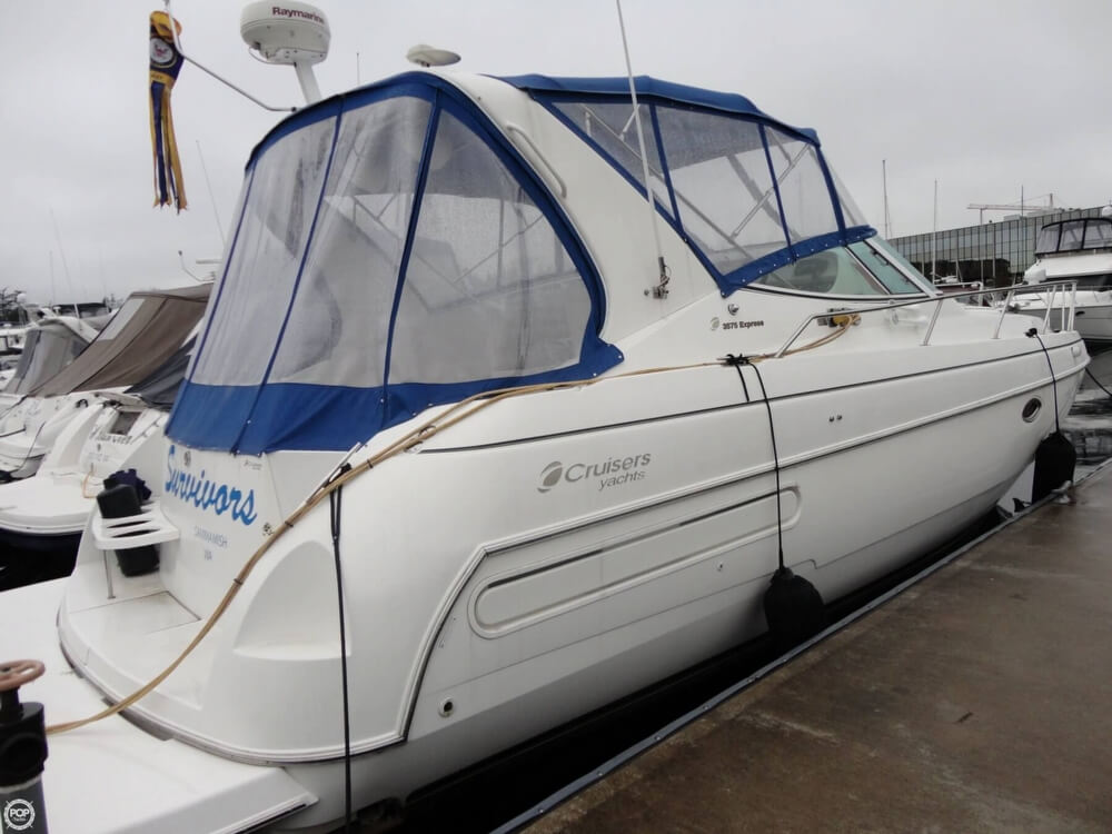 2000 Cruisers Yachts boat for sale, model of the boat is 3575 Express & Image # 3 of 40