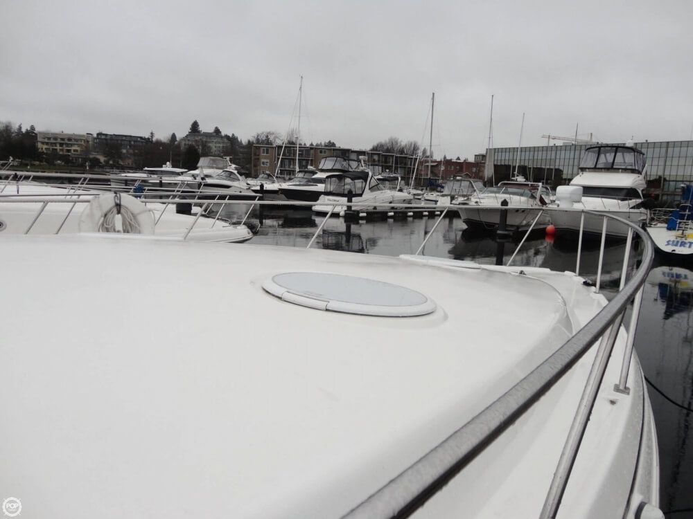 2000 Cruisers Yachts boat for sale, model of the boat is 3575 Express & Image # 13 of 40