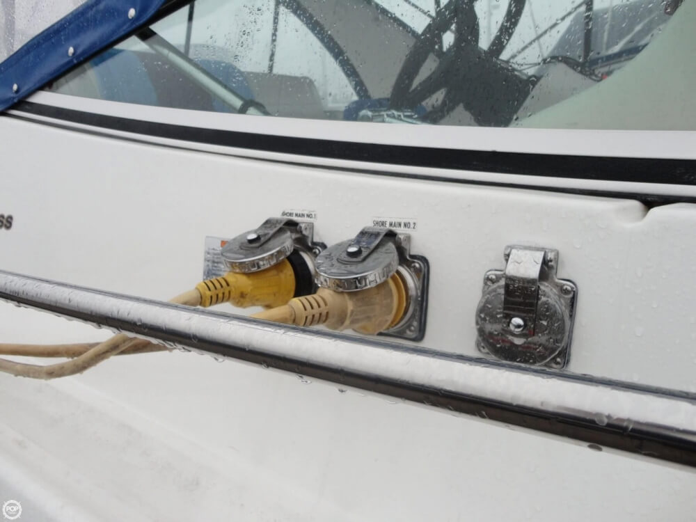 2000 Cruisers Yachts boat for sale, model of the boat is 3575 Express & Image # 15 of 40