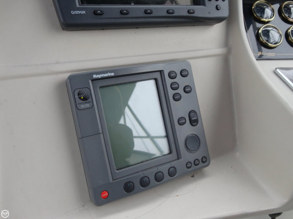2000 Cruisers Yachts boat for sale, model of the boat is 3575 Express & Image # 36 of 40