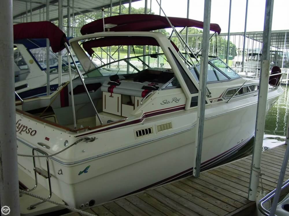 1987 Sea Ray boat for sale, model of the boat is 300 Sundancer & Image # 2 of 40