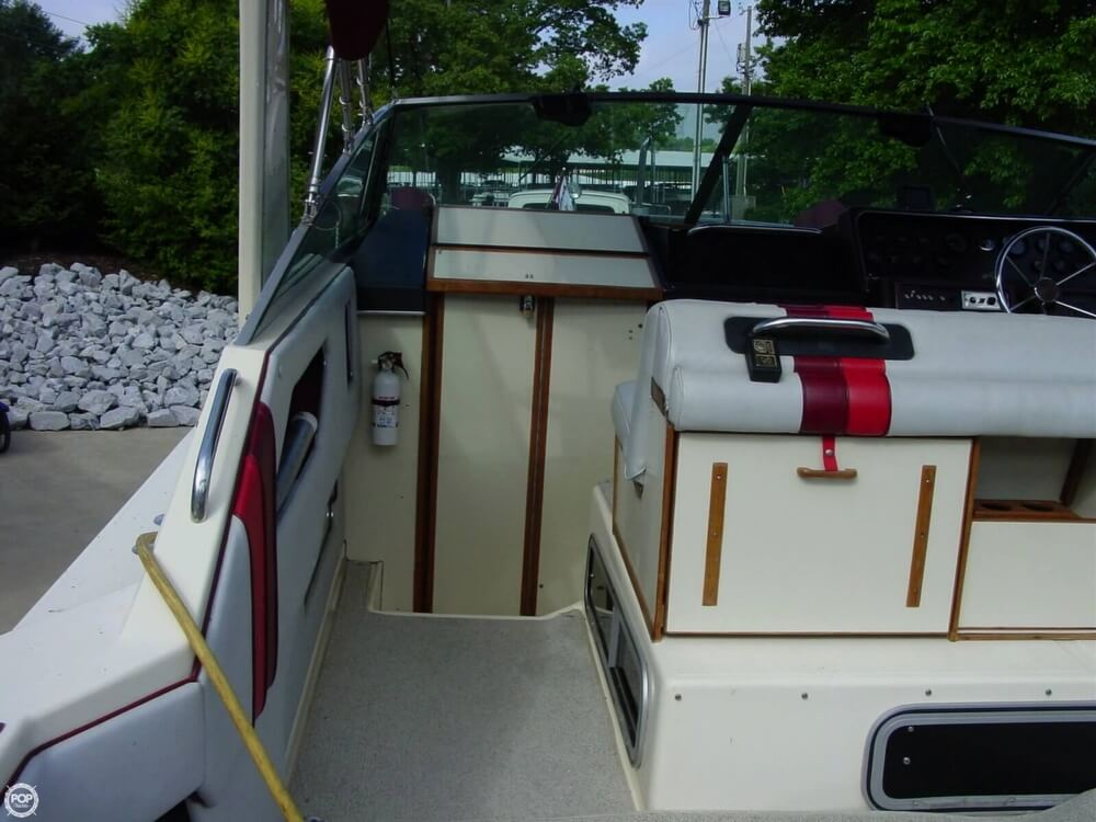 1987 Sea Ray boat for sale, model of the boat is 300 Sundancer & Image # 11 of 40
