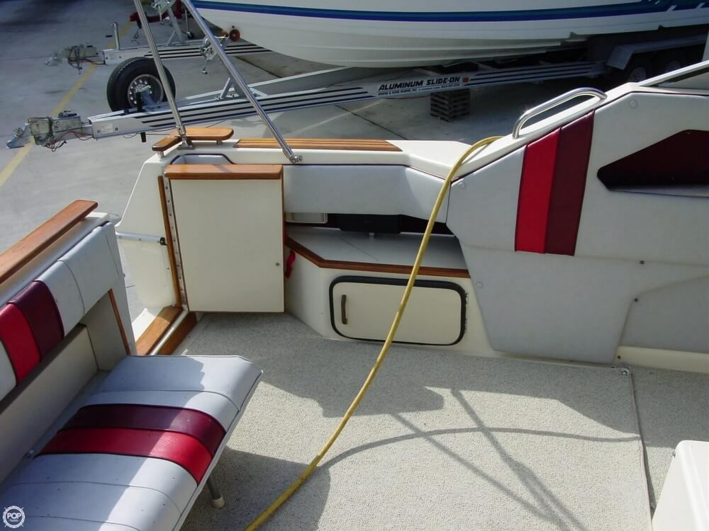 1987 Sea Ray boat for sale, model of the boat is 300 Sundancer & Image # 13 of 40
