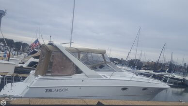 Larson Cabrio 310, 34', for sale - $37,800