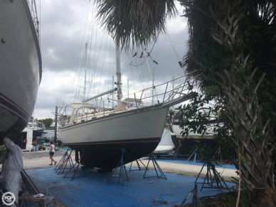 Island Packet 31, 34', for sale - $49,000