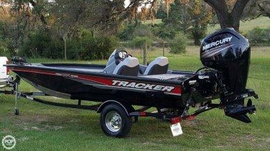 Bass Tracker 175 TXW, 17', for sale - $22,500