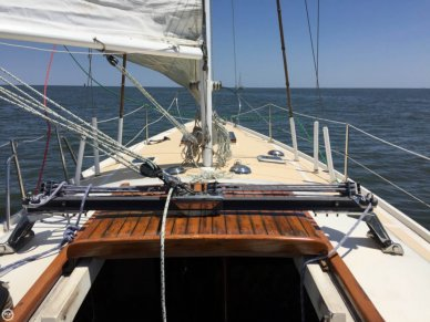 Columbia 34 MK II, 33', for sale - $16,900