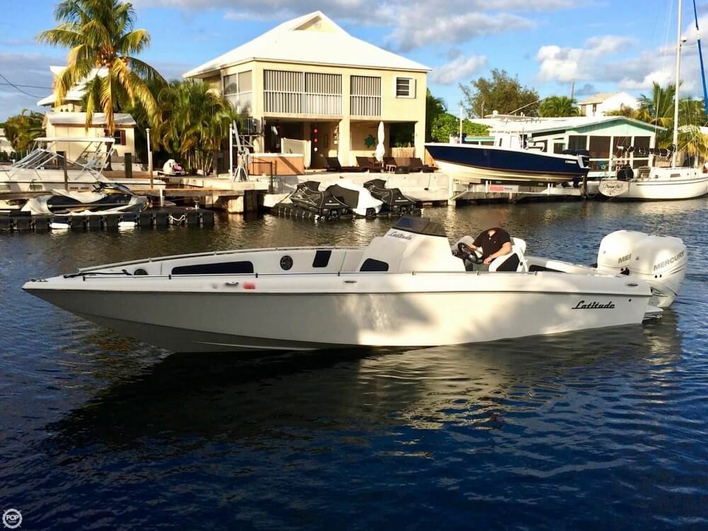 2014 Latitude boat for sale, model of the boat is 28 SS & Image # 3 of 40