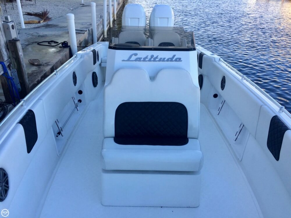 2014 Latitude boat for sale, model of the boat is 28 SS & Image # 8 of 40