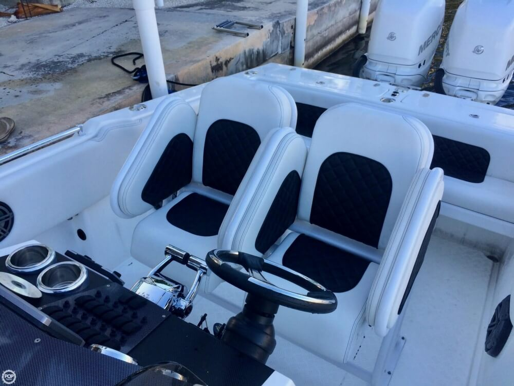 2014 Latitude boat for sale, model of the boat is 28 SS & Image # 10 of 40