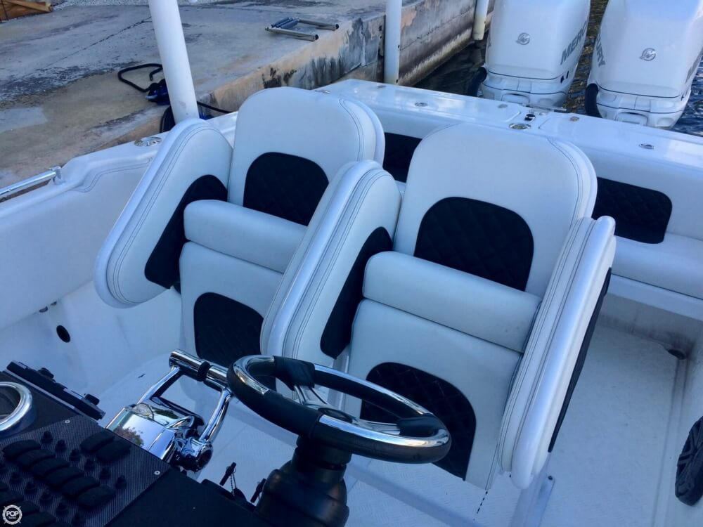 2014 Latitude boat for sale, model of the boat is 28 SS & Image # 12 of 40