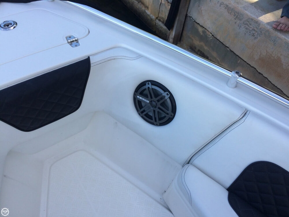 2014 Latitude boat for sale, model of the boat is 28 SS & Image # 20 of 40