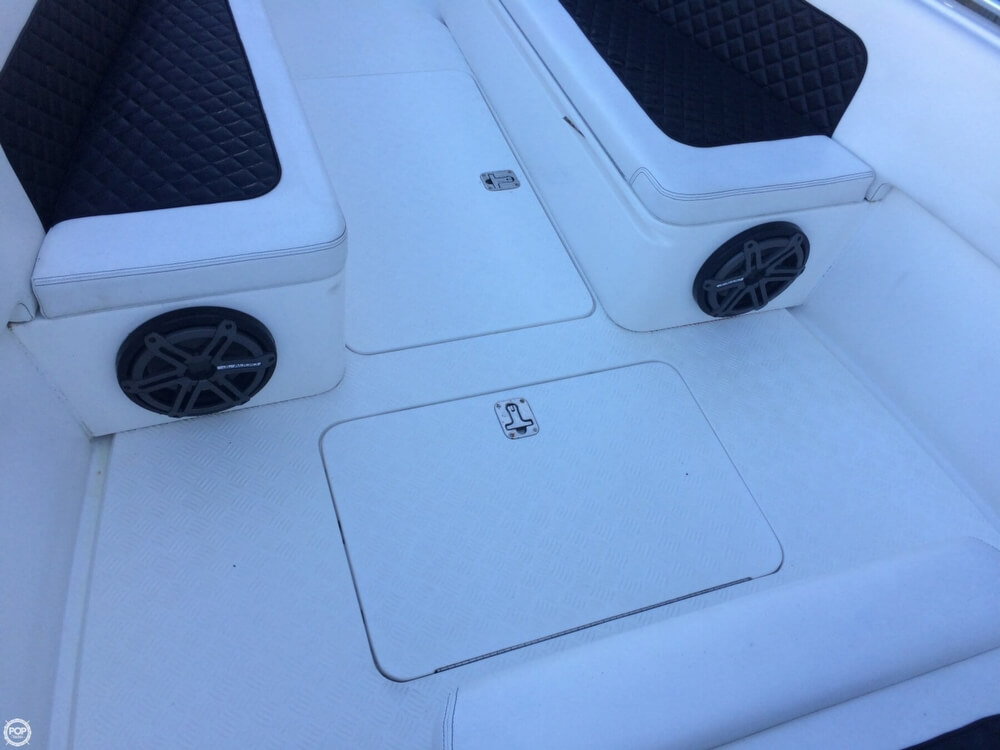 2014 Latitude boat for sale, model of the boat is 28 SS & Image # 38 of 40