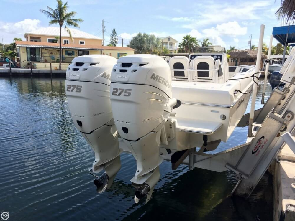 2014 Latitude boat for sale, model of the boat is 28 SS & Image # 2 of 40