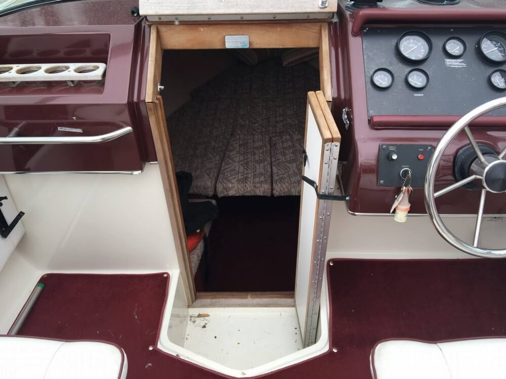 1989 Sea Ray boat for sale, model of the boat is 260 CC & Image # 9 of 40