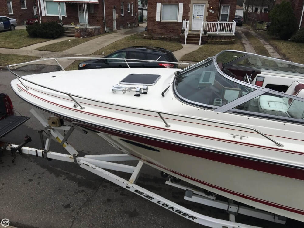 1989 Sea Ray boat for sale, model of the boat is 260 CC & Image # 24 of 40