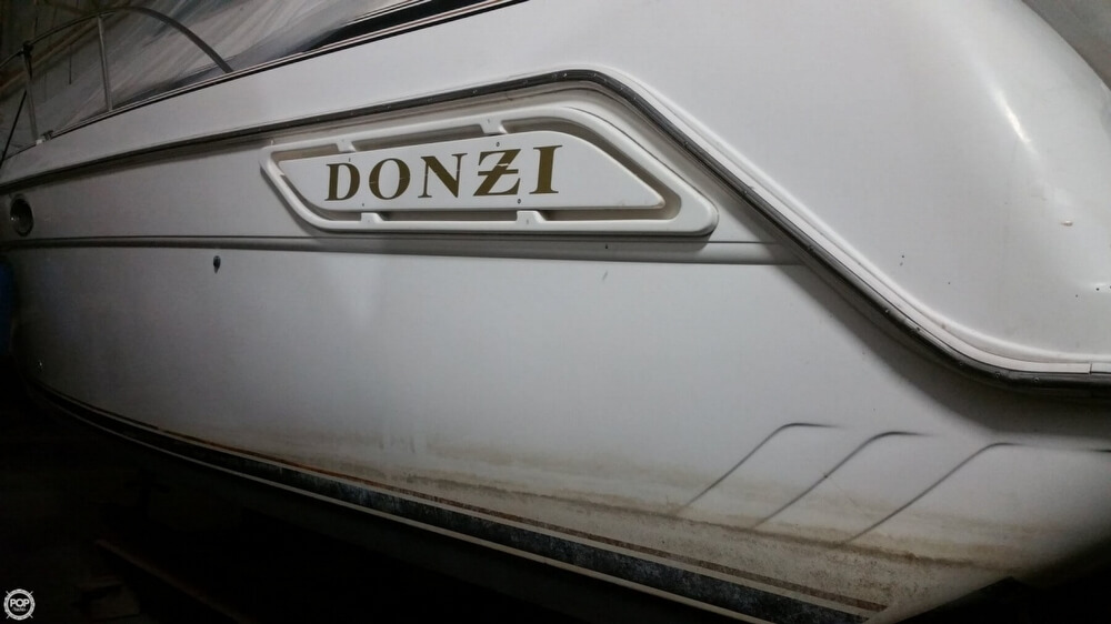 1997 Donzi boat for sale, model of the boat is 3250LXC & Image # 15 of 40