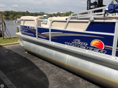 Sun Tracker Party Barge 20 DLX, 21', for sale - $18,500
