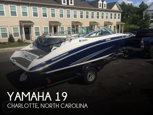 For sale used 2013 yamaha 19 in charlotte north carolina for Yamaha motorcycles charlotte nc