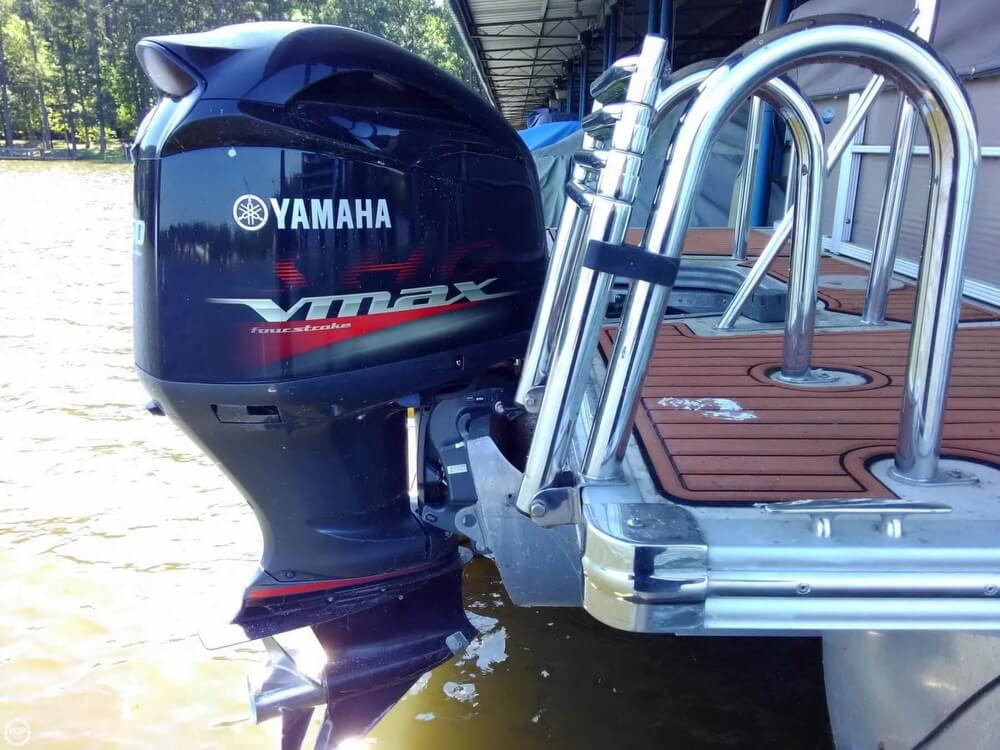 2013 Manitou boat for sale, model of the boat is MB 25 SHP & Image # 9 of 40