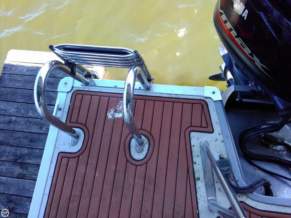 2013 Manitou boat for sale, model of the boat is MB 25 SHP & Image # 10 of 40